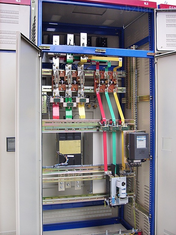 已获点击: 9 【简单介绍】ggd交流低压配电柜是本着安全,经济,合理,可