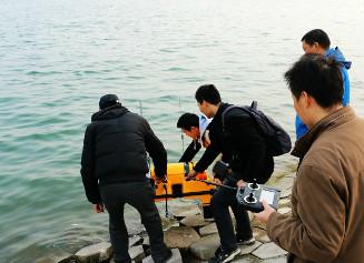 湖北十堰率先启用全自动水质采样监测无人船