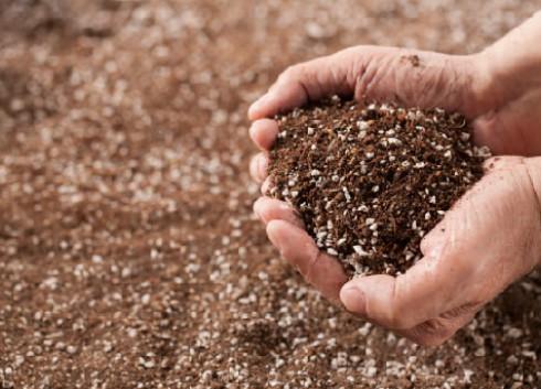 天津拟设三百监测点 以加强土壤污染防治工作