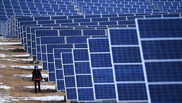 青海龙羊峡建世界最大光伏电站 年发电14亿千瓦时