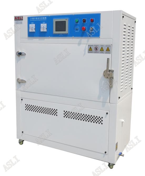 UV紫外线老化试验箱是用一个独特的冷凝装置在试样表面模拟雨水和露水的效果。在冷凝循环期间,试验内壳下部注蓄水槽被加热产生蒸汽,热蒸汽保持老化箱箱内100%的相对湿度,有一定温升,试样构成试验箱内侧壁,环境空气的冷却作用使试验表面的温度比蒸汽温度低.这种温差可在整个冷凝循环过程中使液态水连续不断地凝结在试验表面上。   UV紫外线老化试验箱所得凝结水是非常的稳定,纯净的蒸馏水,不含溶解的固体,这有助试验结果的重现,同时也能排除了水迹污点问题.