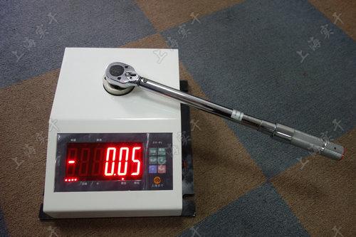 便携式扭力扳手测量仪图片